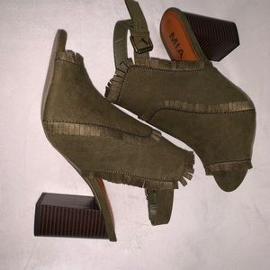 NEW!! Mia Boca Black heels: OLIVE GREEN